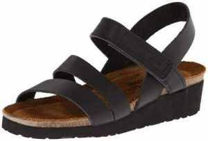 comfortable sandals for walking